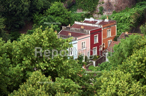 Terraced Housing surrounded by trees. Bristol - Duncan Phillips - 2003-07-13