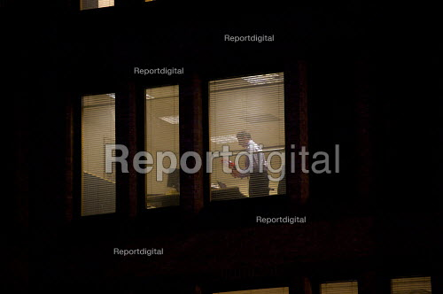Working late in the City of London - Duncan Phillips - 2010-03-30