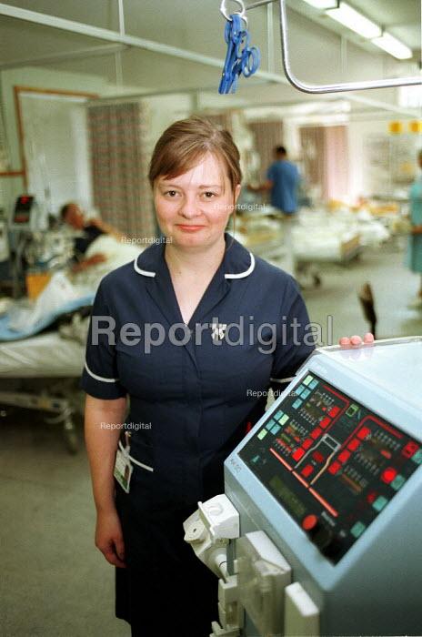 Nurse on a Hospital Ward. London - Duncan Phillips - 1999-10-18