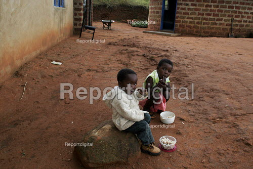 Feeding centre near Manzini for children orphaned by AIDS and related illnesses. Organised by SWAPOL (Swaziland for Positive Living), a group whose lives are seriously affected by HIV/AIDS, Swaziland - Gerry McCann - 2005-04-25