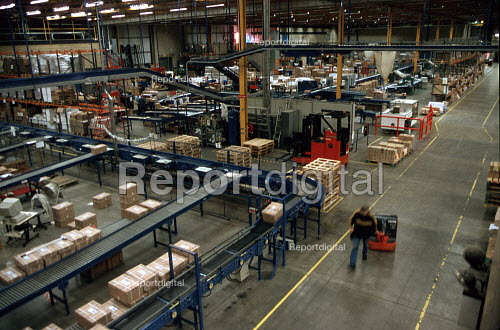 Production line at OUP automated print distribution centre Corby - John Harris - 1999-12-16
