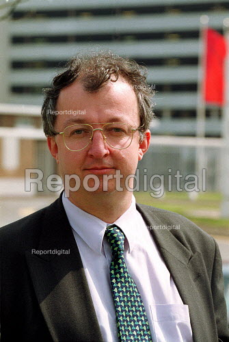 John Hemming of the John Towers Phoenix outside Rover Longbridge Birmingham. - John Harris - 2000-05-02