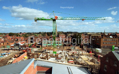 Crane on building site, construction site for New Magistrates Court Worcester. - John Harris - 2000-10-04