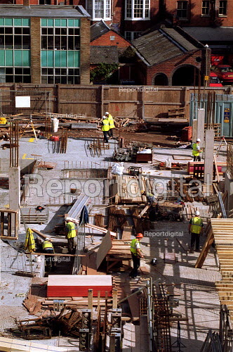 Workers on a building site, construction site Worcester. - John Harris - 2000-10-04