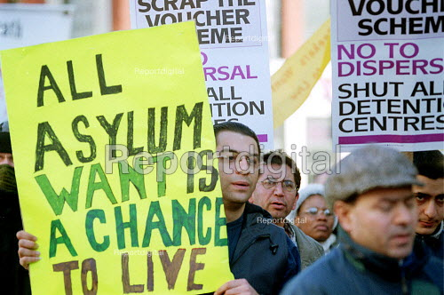 Asylum seekers protest, following the suicide of a refugee Ramin Khaleghi after being refused asylum. Leicester. - John Harris - 2001-02-03