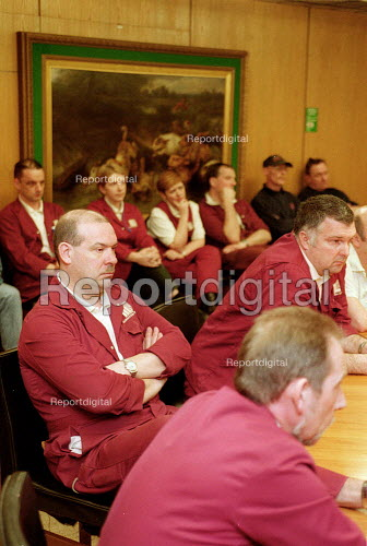 Shop stewards at a trades union meeting, in company board room, to discuss merger between MSF and AEEU. Imperial Tobacco Nottingham. - John Harris - 2001-02-27