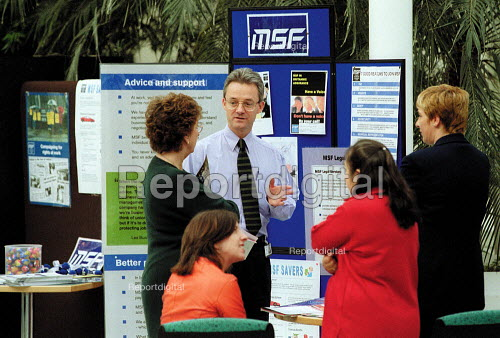 MSF Trades Union representatives recruiting new members in the rest area of Britannic Assurance office. - John Harris - 2001-03-29