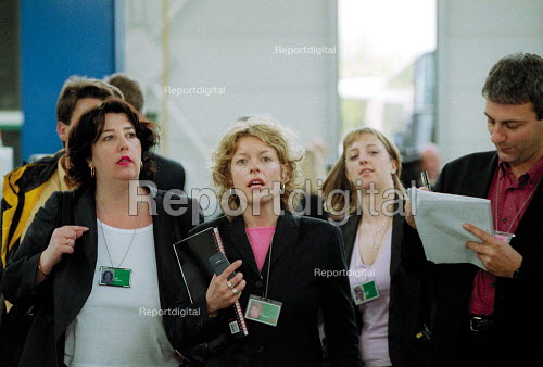 Labour Party press officers Julie Crowley, Jo Gibbons and journalist, general election campaign. - John Harris - 2001-05-10
