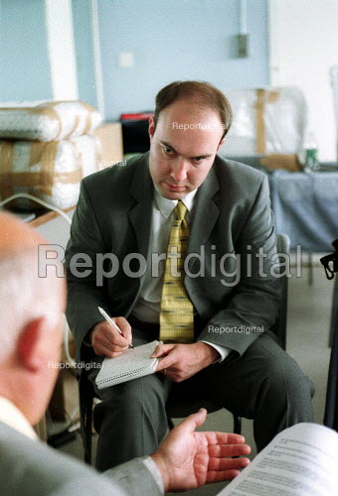 Journalist from the Press Association interviewing Roger Lyons. - John Harris - 2001-06-14
