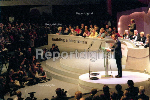 Tony Blair MP addressing Labour Party Conference 2001 - John Harris - 2001-10-01
