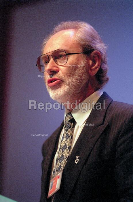John Gardner MSF addressing Labour Party Conference 2001 - John Harris - 2001-10-01