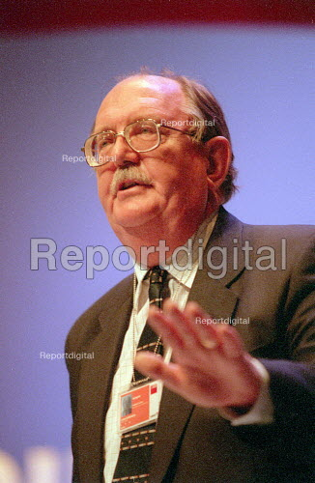 John Edmonds GMB addressing Labour Party Conference 2001 - John Harris - 2001-10-01