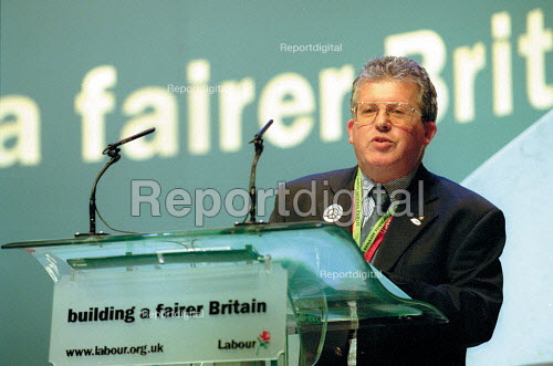 Tony Young CWU addressing Labour Party Conference 2001 - John Harris - 2001-10-02