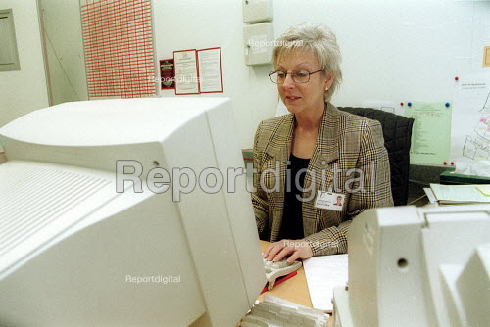 Secretary at Horticulture Research International. HRI Wellesbourne, Warwickshire - John Harris - 2003-04-13