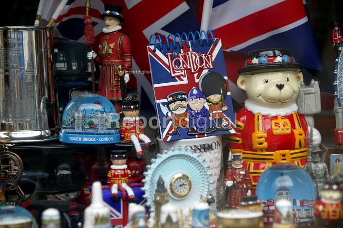 Souveniers of London, Tower Bridge, Union Jack clocks, mugs, yeoman of the guard in a shop window. Stratford on Avon - John Harris - 2003-05-20