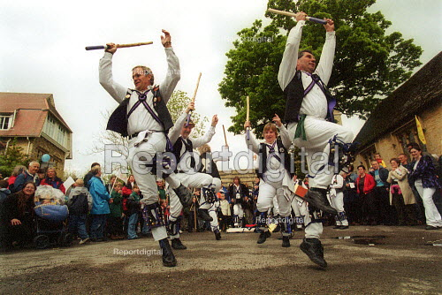 Cry Havoc Morris Dancers dancing outside the Churchyard gates, 29th Levellers Day Burford Oxfordshire. - John Harris - 2003-05-17