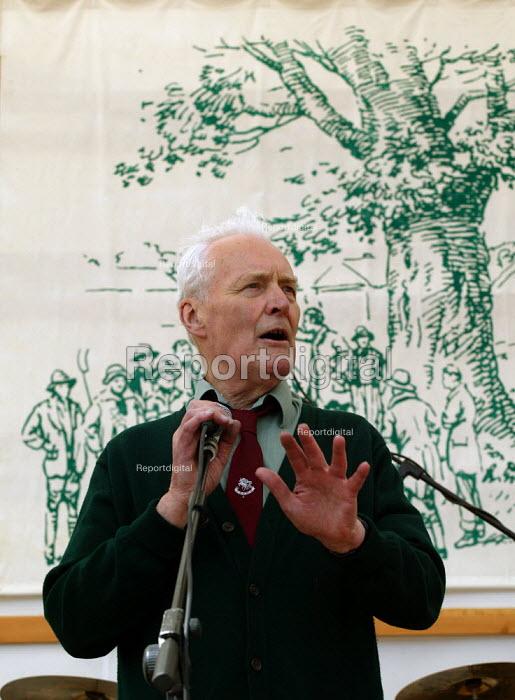 Tony Benn speaking at Tolpuddle Martyrs Festival Dorset. - John Harris - 2003-07-20