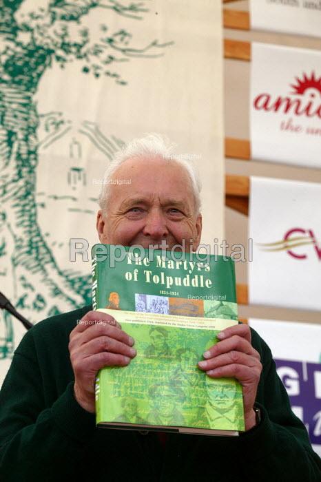 Tony Benn Tolpuddle Martyrs Festival Dorset. - John Harris - 2003-07-20