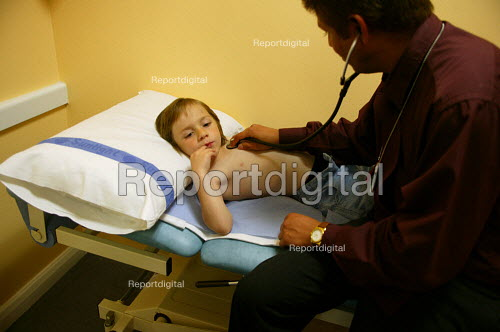Patient aged 5 being examined by heart specialist to diagnose a heart murmur. The doctor is listening to the chest with a stethoscope. He found that the abnormal heart noise was innocent, such noises being common in some 30% of children. Birmingham Children's Hospital. - John Harris - 2004-07-08