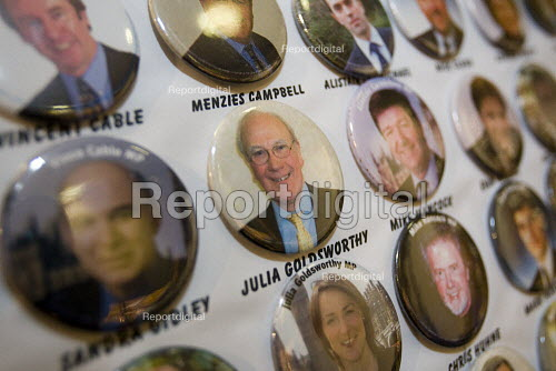 Menzies Campbell badge, Liberal Democrat Party Conference, Brighton. - Jess Hurd - 2007-09-17