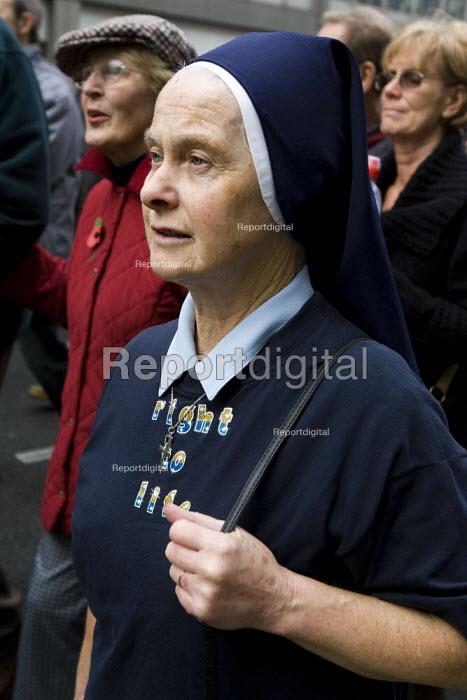 Nun on the Anti Abortion march, London. - Jess Hurd - 2007-10-27