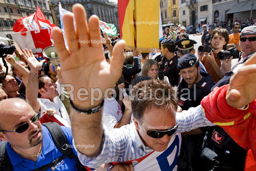 Trades union members from Fiat demonstrate anti G8 summit Rome. Italy. Raising their hands to the police. - Jess Hurd - 2009-07-08