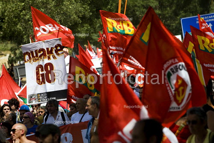 Quake G8. Anti Summit demonstration in LAquila. Italy. - Jess Hurd - 2009-07-10