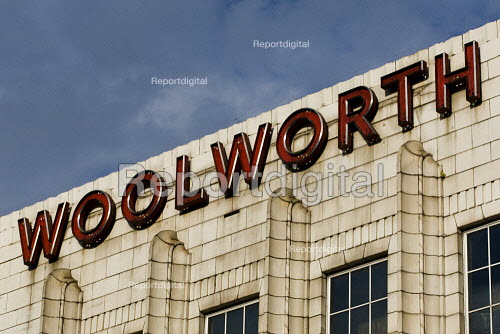 Woolworths store, Brixton, South London. - Jess Hurd - 2009-08-21