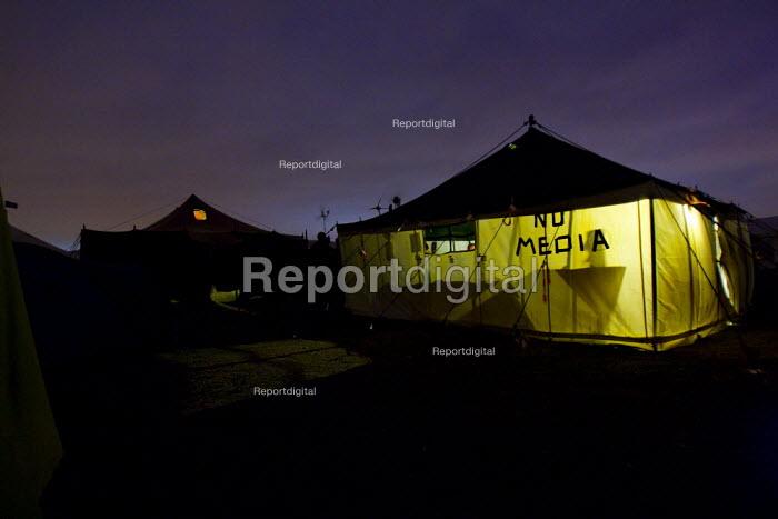No media tent. Climate Camp on Blackheath. South East London. - Jess Hurd - 2009-08-30