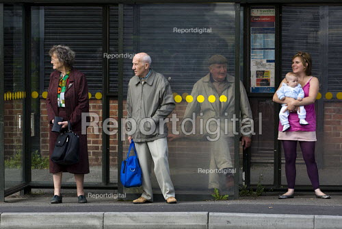 People waiting at a bus stop in Condor, Derbyshire. - Jess Hurd - 2009-08-15