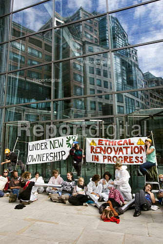 Climate Camp action outside RBS, Liverpool St, City of London. - Jess Hurd - 2009-09-01