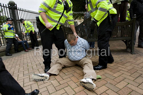 Member of the English Defence League is arrested on a march in Birmingham - Jess Hurd - 2009-09-05