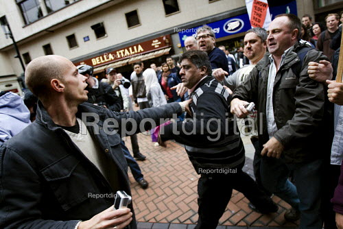 Unite Against Fascism supporters clash with the English Defence League march in Birmingham - Jess Hurd - 2009-09-05