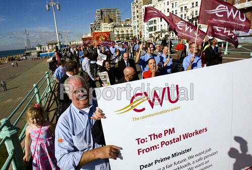CWU postal workers deliver a massive postcard with list of demands on pensions, workload and modernisation. Labour Party Conference 2009. Brighton. - Jess Hurd - 2009-09-29