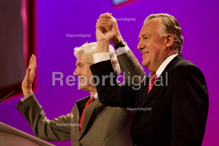 Peter Hain and Rhodri Morgan MP. Labour Party Conference. Brighton. - Jess Hurd - 2009-09-27