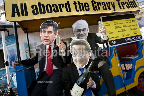 Gordon Brown, Alistair Darling and David Cameron on a Vote for Change sponsored gravy train. Brighton. - Jess Hurd - 2009-09-27