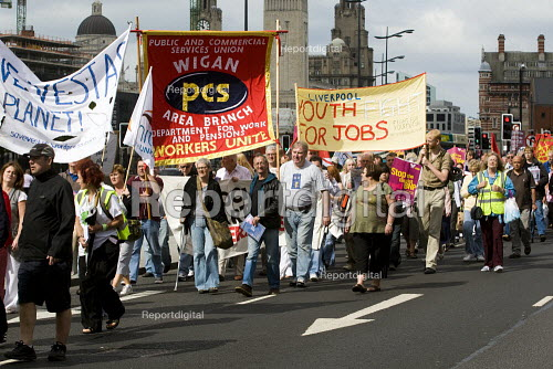 Time To Fight Back march, to defend jobs in the recession, 2009 TUC Congress. Called by Liverpool TUC. - Jess Hurd - 2009-09-13