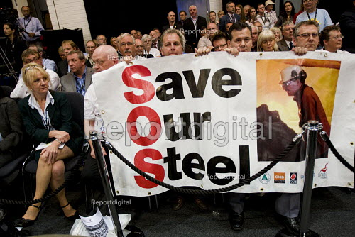 Corus Steelworkers hold up a banner as Gordon Brown speaks at TUC Conference, Liverpool. - Jess Hurd - 2009-09-15