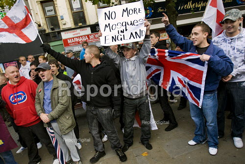 No More Mosques placard. English Defence League march in Manchester - Jess Hurd - 2009-10-10
