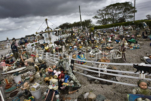 Toy Graveyard, Normandy. France. - Jess Hurd - 2009-10-16