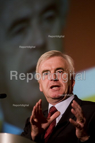 John McDonnell MP. FBU national rally and lobby of parliament against the closure of emergency fire control rooms and in support of striking Yorkshire firefighters. London. - Jess Hurd - 2009-10-21