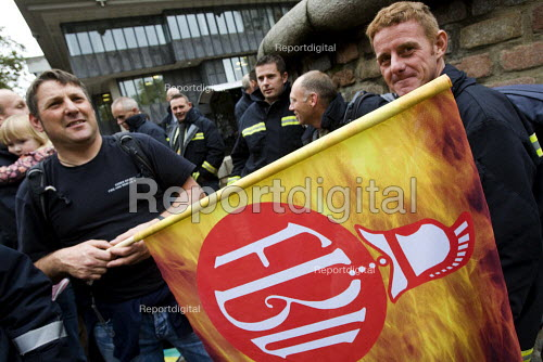 FBU national rally and lobby of parliament against the closure of emergency fire control rooms and in support of striking Yorkshire firefighters. London. - Jess Hurd - 2009-10-21
