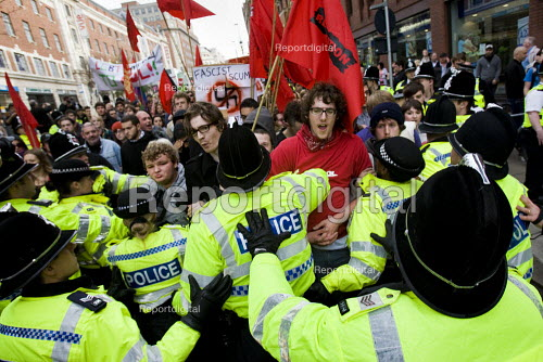 UAF protestors. English Defence League march in Leeds is countered by Unite Against Fascism. - Jess Hurd - 2009-10-31