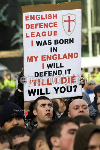 English Defence League march in Leeds against Islamic Extremism is countered by Unite Against Fascism. - Jess Hurd - 2009-10-31