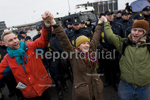 Reclaim Power! Push for Climate Justice! Protests against COP15 United Nations Climate Change Conference, Copenhagen 2009, Denmark. - Jess Hurd - 2009-12-16