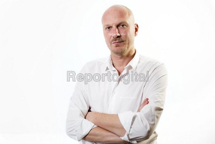 Video journalist Jason N. Parkinson. London. - Jess Hurd - 2014-11-08