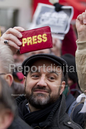 IFJ press card. Journalist unions with a banner Nous Sommes Charlie lead the unity march after the shooting of cartoonists in the attack on the Charlie Hebdo magazine offices, Paris. - Jess Hurd - 2015-01-11