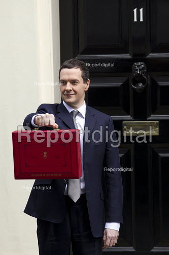 The Chancellor, George Osborne leaves 11 Downing Street to deliver his Budget to Parliament. Westminster, London. - Jess Hurd - 2015-03-18