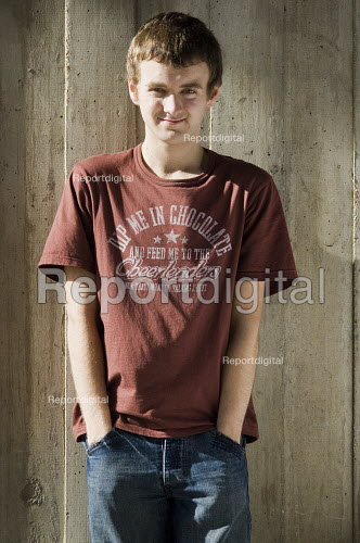 Casual portrait of a teenage boy with his hands in his pockets. - Paul Carter - 2007-03-11