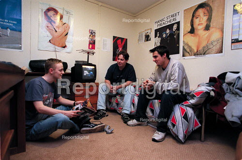 Students in Hall of Residence accommodation. - Roy Peters - 1999-07-04